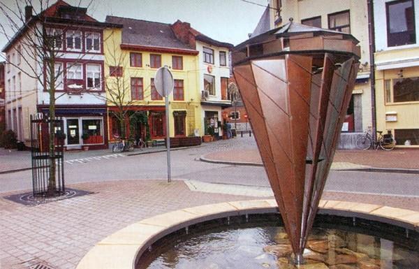 De Tol, Jos Jacobs, hoek Botermarkt-Zuivelmarkt (uit: Beelden in Hasselt (s.d.), g)