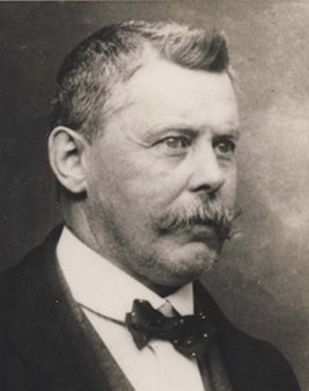 Portretfoto Lambrecht Lambrechts (1865-1932) (uit: Website Hoeselt Vrugger)