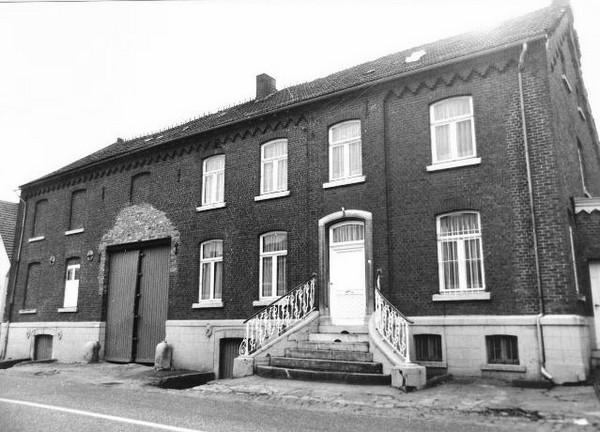 Oude brouwerij, Sint-Maartenplein 12 (uit: Inventaris van het cultuurbezit in België (1981), fig. 1004, Frieda Schlusmans, 1976 - Vlaamse Gemeenschap)