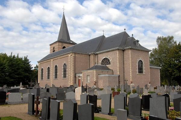 Kerk en kerkhof Stevoort (foto: Annemie America, 2008)
