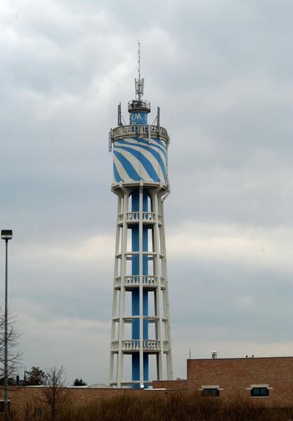 Watertoren, Willekensmolenstraat (foto: Annemie America, 2004)