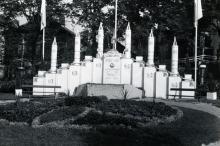 Symbolische voorstelling mirakels tijdens de Virga Jessefeetsn in 1954 (foto: collectie Virga Jessecomité)