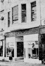 Het wit Kruis, Demerstraat 11 te Hasselt in zijn nieuw kleedje (uit: Het wit Kruis Demerstraat 11, Hasselt verbouwd en heropend (1959))