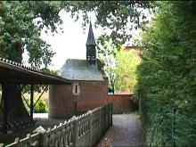 Onze-Lieve-Vrouw-Troost-der-Kleine-Kinderen, Diestersteenweg (uit: http://kadoc.kuleuven.be/kapelletjes/limburg.php, 2000)