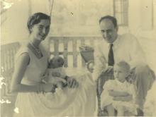 Fam. Billen op het terras in Aketi, 1955 (foto: privécollectie)