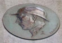 Gedenkplaat koning Albert I (uit: Beelden in Hasselt (s.d.))