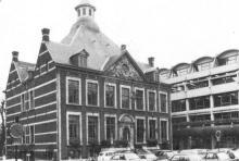 Stadhuis, Groenplein (uit: Inventaris van het cultuurbezit in België (1981), fig. 151 - Frieda Schlusmans, 1975 - Vlaamse Gemeenschap)