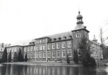 Mariaburcht, Hasseltse Dreef 115 (uit: Inventaris van het cultuurbezit in België (1981), fig. 1009 - Frieda Schlusmans, 03-1976 - Vlaamse Gemeenschap)
