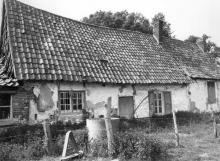 Woonhuis van hoeve, Herkkantstraat 9 (uit: Inventaris van het cultuurbezit in België (1981) - Frieda Schlusmans, 05-1976 - Vlaamse Gemeenschap)
