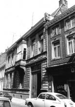 De Zwarte Arend, Kapelstraat 49 (uit: Inventaris van het cultuurbezit in België (1981), fig. 596 - Frieda Schlusmans, 07-1975 - Vlaamse Gemeenschap)