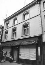 De Dry Duyven, Maastrichterstraat 14 (uit: Inventaris van het cultuurbezit in België (1981), fig. 643 - Frieda Schlusmans, 07-1975 - Vlaamse Gemeenschap)