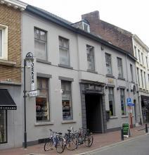 Minderbroedersstraat 9-11 (foto: Sonuwe, 2011)