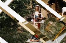 Virga Jesseommegang 1982 - Groep 12: close-up van de Virga Jesse op de wagen, in de Minderbroedersstraat