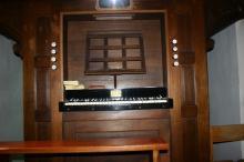 Orgel Sint-Amanduskerk Stokrooie, klavierplank (uit: Orgelgids Hasselt (2005), p. 82)