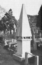 Monument Oudgedienden Napoleon (uit: Een vergeten monument (1967))