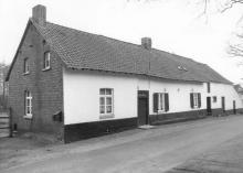 Hoeve, Semmestraat 42 (uit: Inventaris van het cultuurbezit in België (1981), fig. 926 - Frieda Schlusmans, 04-1976 - Vlaamse Gemeenschap)