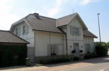 Oud postgebouw en voormalig station van de buurtspoorwegen, Sint-Maartenplein 80 (foto: Sonuwe, 03-06-2011)