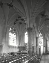 Sint-Quintinuskathedraal, binnenzicht (uit: Inventaris van het cultuurbezit in België (1981), fig. 201bis - Frieda Schlusmans, 07-1975 - Vlaamse Gemeenschap)