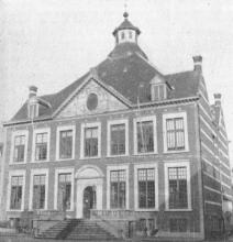 Stadhuis, Groenplein (uit: De Hasselaar, 1957, nr. 5)