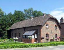 Dorpsmolen Stevoort, Sint-Maartenplein 35 (foto: Sonuwe, 03-06-2011)